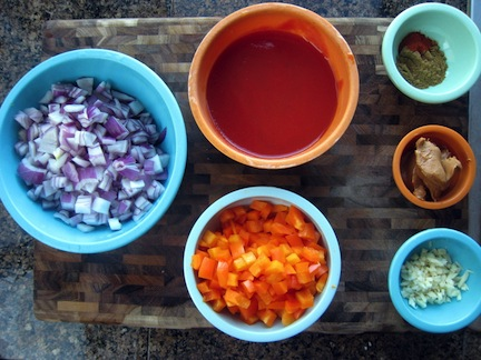 African recipes, ingredients and food traditions (www.africanepicure.com)