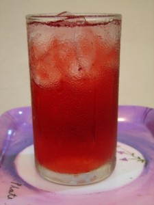 Recipe - this African hibiscus juice is a natural superfood (www.africanepicure.com)